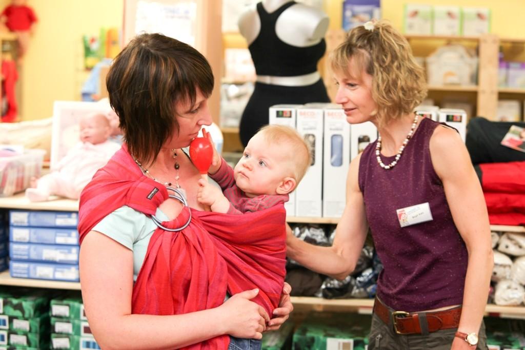 Trageberatung im Babyladen von ZWERGE.de in Weinsberg