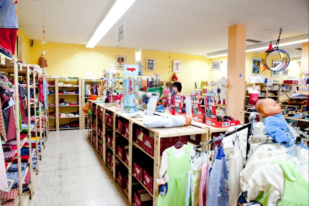 Schlafsäcke, Bio-Kleidung und Pucksäcke im Babyladen in Weinsberg bei Heilbronn