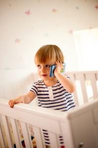 Kinderhandy mit Bilderbuch. Fr Kinder ab 12 Monaten.