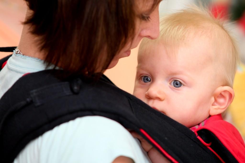 tragetuch und tragehilfe testen bei ZWERGE.de im Babyladen und im Onlineshop